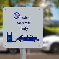 Rumanía tiene las peores carreteras de la UE, pero recibirá 53 millones de euros para estaciones de carga de coches eléctricos