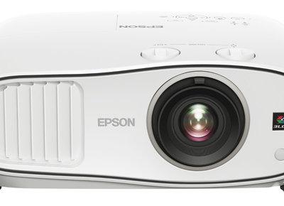 Epson presenta tres nuevos proyectores Full HD de gama media para cine en casa