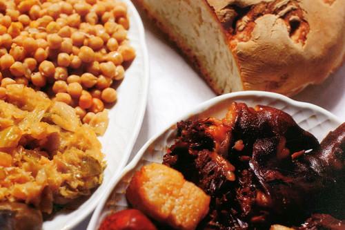 Primero la carne y al final la sopa: así es el mejor cocido maragato que puedes probar, en Casa Juan Andrés