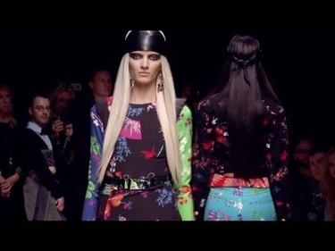 Blake Lively, Jessica Alba y más famosas se rinden ante el desfile de Versace para H&M
