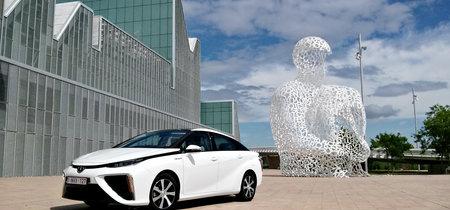 Toyota afirma que podrá vender coches de hidrógeno al mismo precio que un híbrido en 2025 (al menos en Japón)