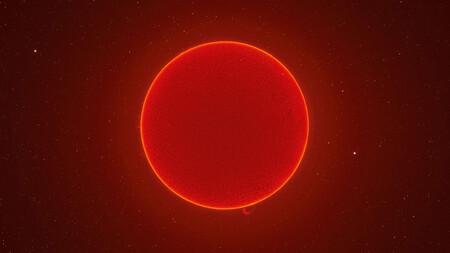 El sol como pocas veces se había visto en una fotografía de 230 Mpíxeles compuesta a base de cien mil tomas del astro rey