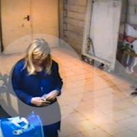 Cifuentes dimite: el video de su robo en un supermercado le da la puntilla