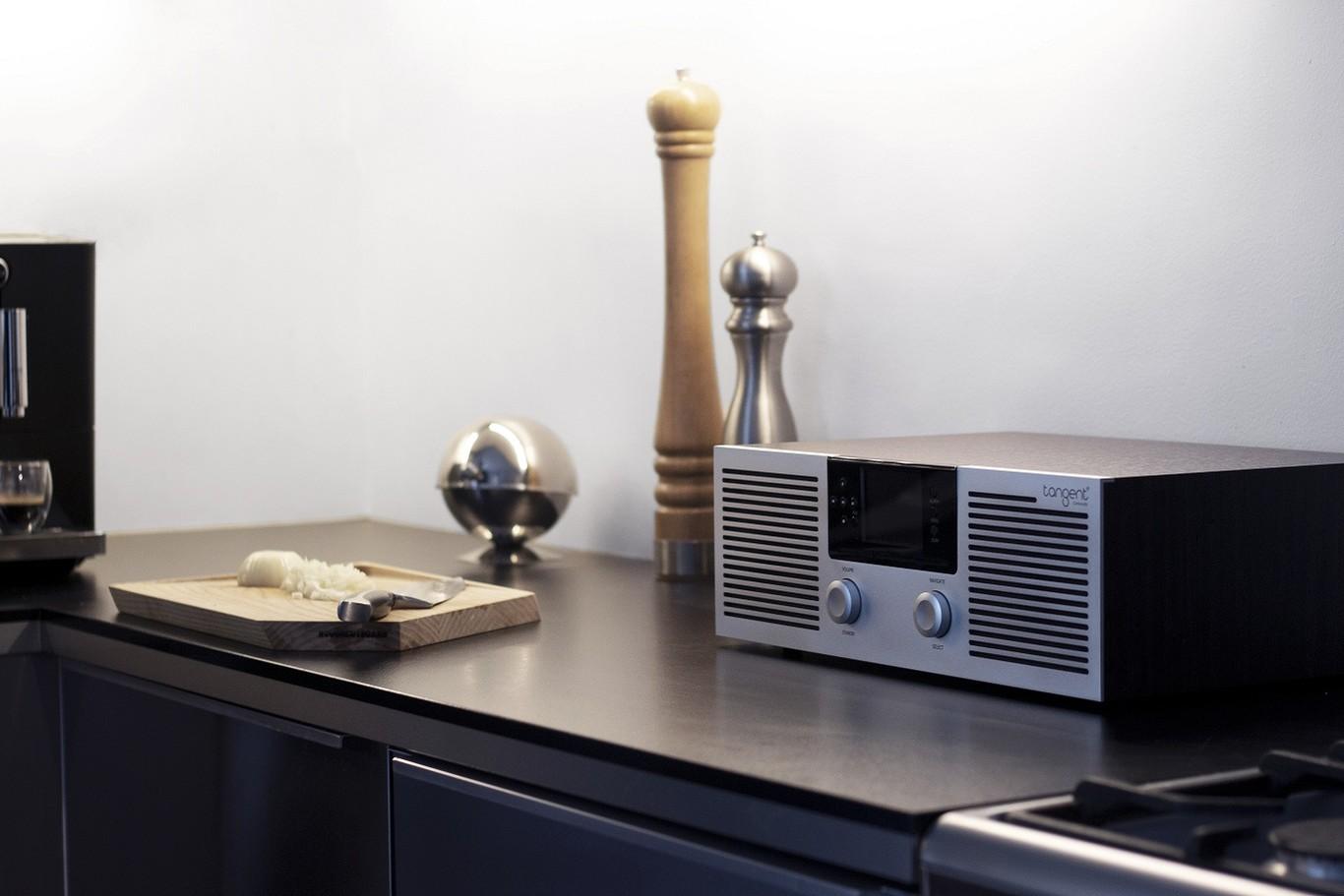 Tangent presenta ELIO, un equipo de sonido que recupera el sabor clásico de las antiguas radios pero con CD, WiFi, Bluetooth y MP3
