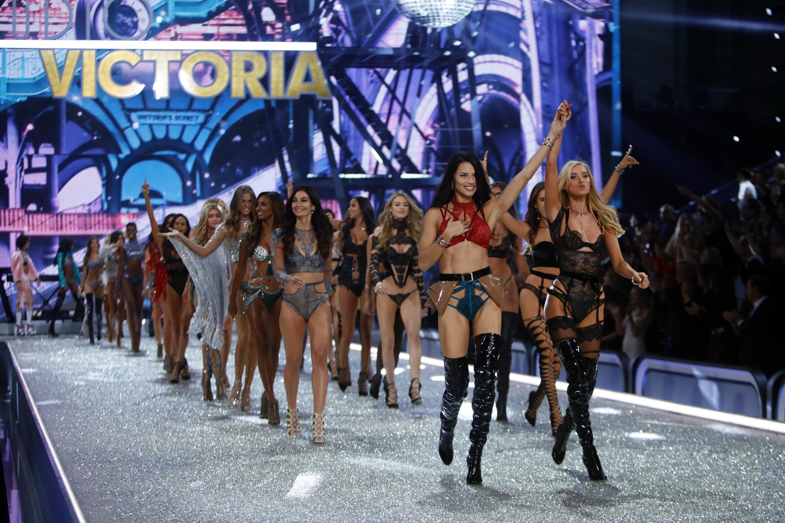 Foto de El desfile de Victoria's Secret 2016 (27/31)