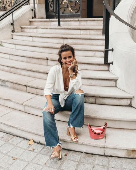 Las sandalias doradas pueden salvarnos tanto un día de oficina como una cena con amigas y estos modelos lo demuestran