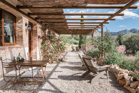 Alojameinto En Airbnb Refugio Moderno En Tarbena Valencia 1