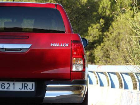 Marca Prueba Toyota Hilux Exteriores Asfalto