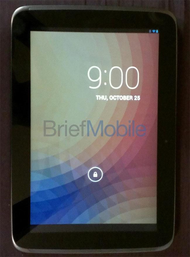 Foto de Aparecen las primeras imágenes reales del Nexus 10 y sus supuestas especificaciones técnicas (1/4)