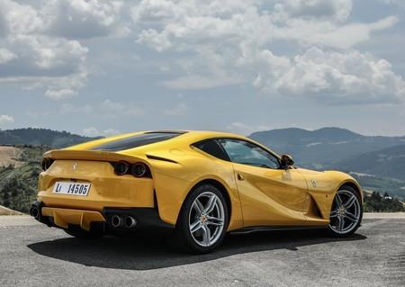 Ferrari 812 Superfast 2018 1280 1d
