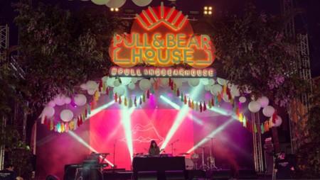 Pull&Bear tira la casa por la ventana e inaugura su nueva sede creando un pequeño Coachella en pleno bosque gallego