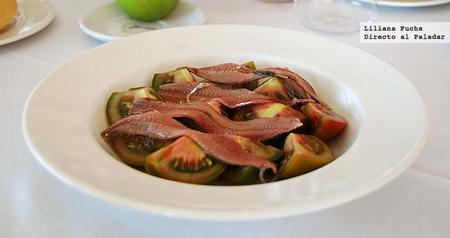 Restaurante Porto Chico. Ensalada de tomate y anchoas