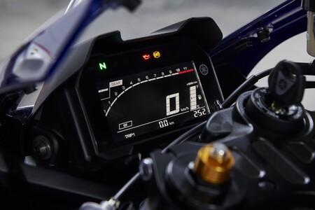 Yamaha R7 2022 051