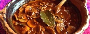 Tacos de champiñones en adobo. Receta fácil y deliciosa de comida mexicana para este lunes sin carne