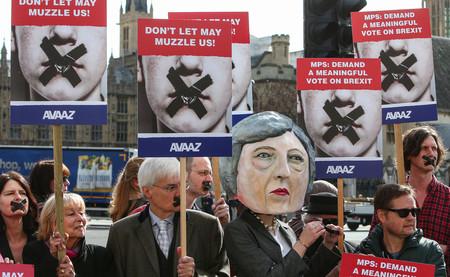 Según el Banco de Inglaterra, sólo las Siete Plagas y la Peste Negra serían peor que un Brexit sin acuerdo