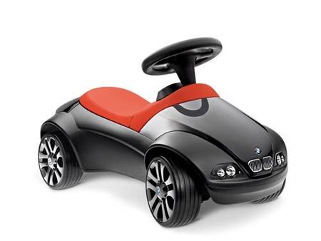 El primer BMW de tu hijo: un correpasillos