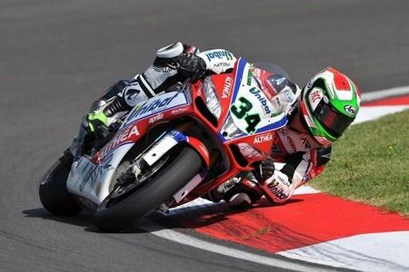 Chaz Davies y Davide Giugliano confirmados como pilotos Ducati en el WSBK 2014