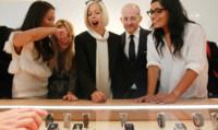 Apple hace nuevos fichajes en las industrias de la moda y la biomedicina de cara al lanzamiento de su reloj