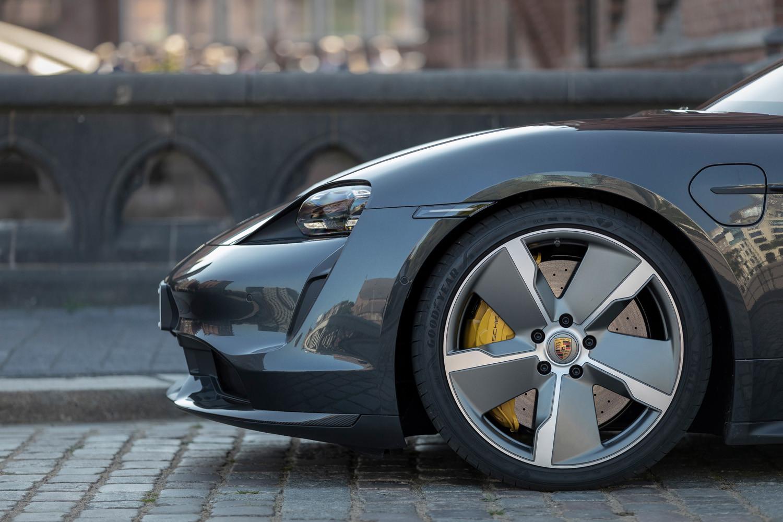 Foto de Porsche Taycan prueba contacto (75/275)