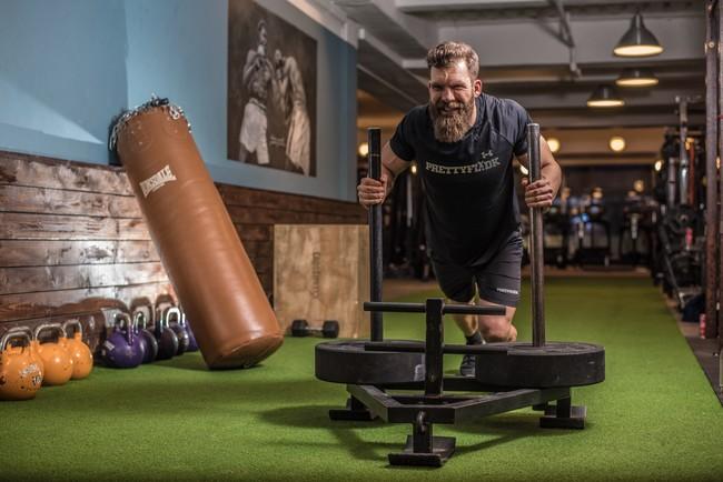Si solo puedes entrenar un día a la semana en el gimnasio, esta es la rutina que mejor te va