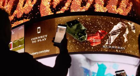 Burberry es la primera firma en lanzar una campaña de marketing con tecnología 3D