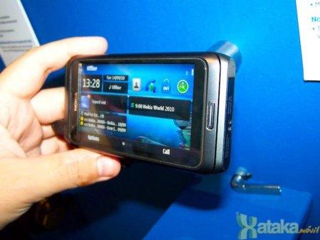 Nokia E7 con Symbian^3: pantalla