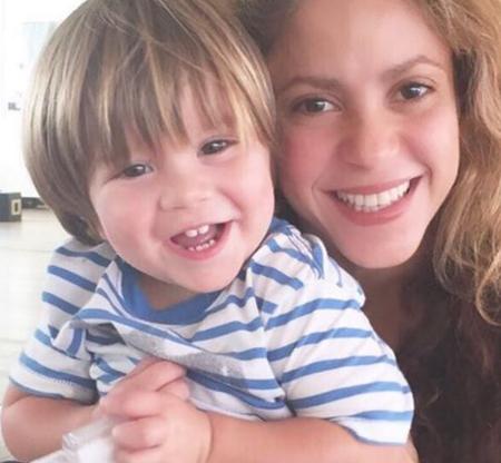 Shakira da las gracias y frena especulaciones: Sasha ya está recuperado