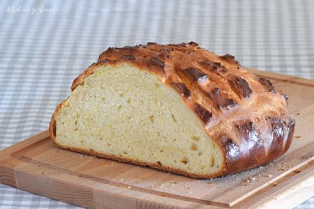 Pan de tierno de azafrán