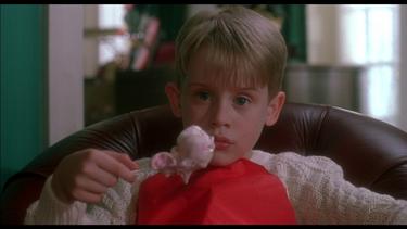 Macaulay Culkin vuelve a quedarse solo en casa: Mila Kunis lo ha dejado