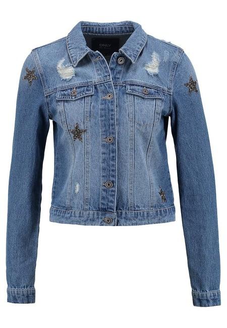 60% de descuento en la chaqueta vaquera Onldarcy Star de Only: se queda en 19,95 euros con envío gratis