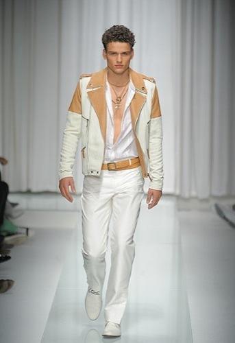 Foto de Versace, Primavera-Verano 2010 en la Semana de la Moda de Milán (16/16)