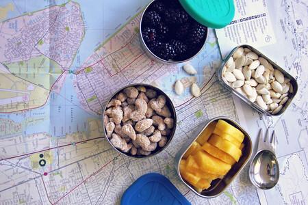 En coche, tren, autobús o avión: cinco recetas de snacks para llevar de viaje en el picoteo del finde