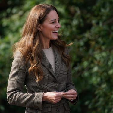 Kate Middleton combina la blazer de oficina con vaqueros skinny y consigue el mejor look para un día de campo