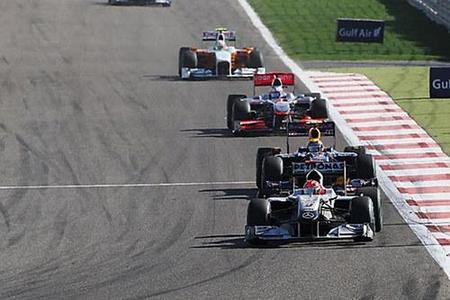 f1_michael-schumacher-jenson-button-y-mark-webber-en-gp-de-bahrein.jpg