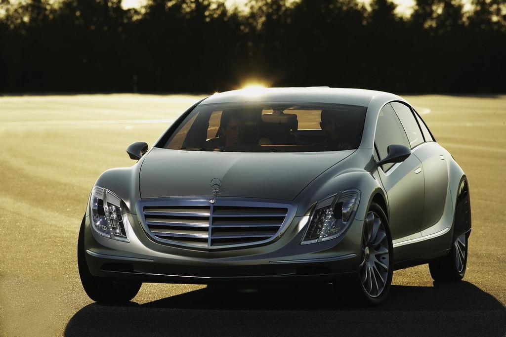 Foto de Mercedes F700 (11/25)