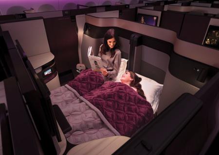 Qatar Airways estrena las primeras camas dobles a bordo de un avión