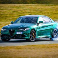 Alfa Romeo Giulia Quadrifoglio 2020: más tecnología, novedades de diseño y los mismos 510 CV para emocionar a quien lo pilota