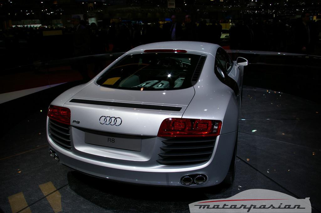 Foto de Audi R8 TDI Le Mans en el salón de Ginebra (14/19)