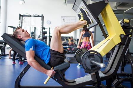 ¿Te has apuntado al gimnasio? 11 consejos para entrenar bien y no morir en el intento