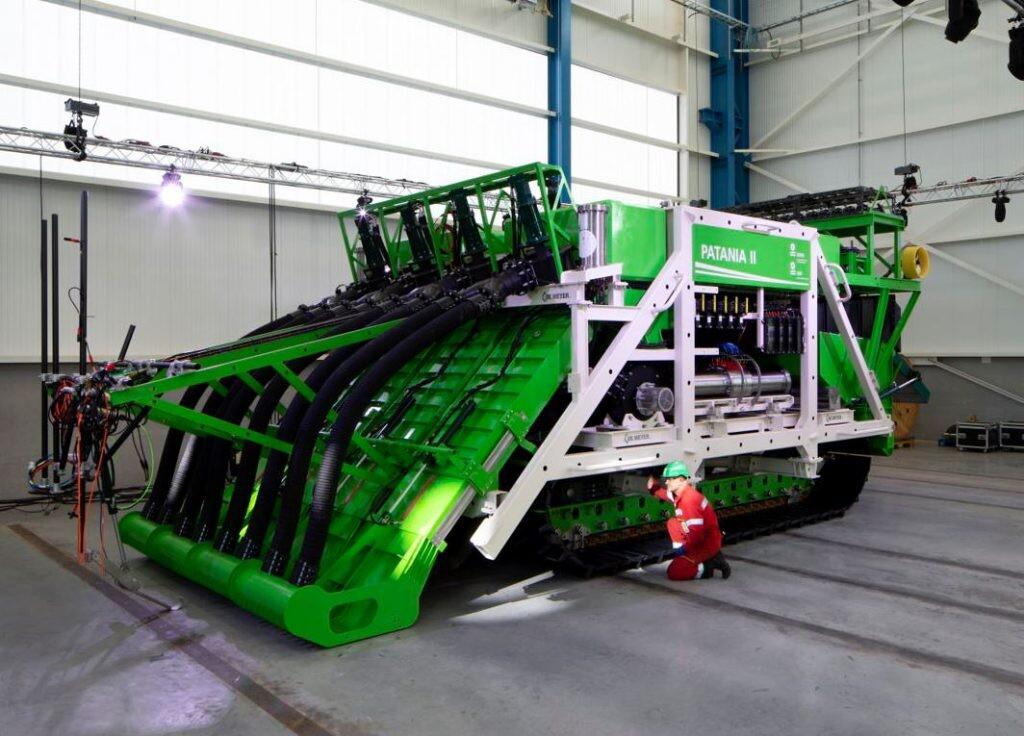 Patania II, la aspiradora de 12 metros y 35 toneladas que rastrea el suelo marino en busca de metales preciosos