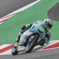 Enea Bastianini marca su primera pole del año en Montmeló en una accidentada QP de Moto3