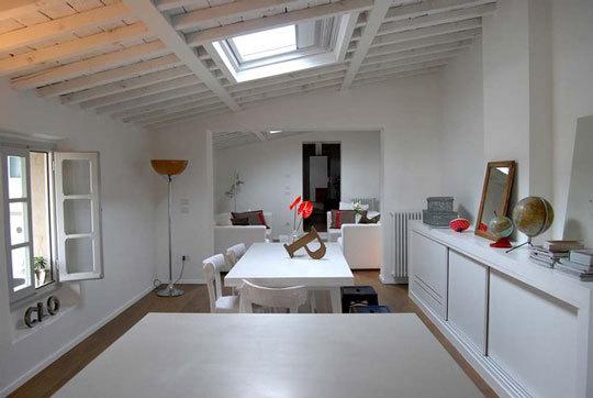 Foto de Casas que inspiran: un loft decorado con piezas antiguas (7/9)