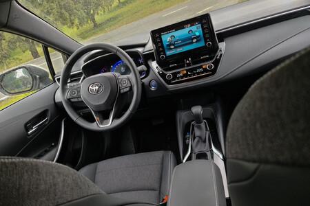 Toyota Corolla Teouring Sports 125h Prueba 8