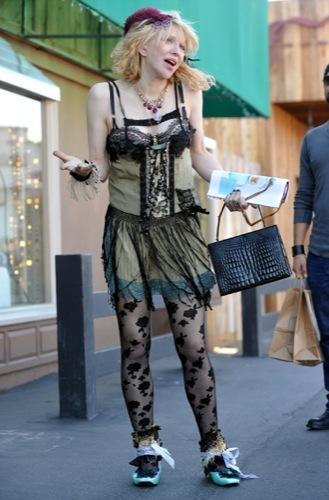 Courtney Love demuestra su estilo