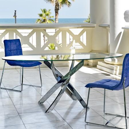Buena o mala idea mesas de cristal para el comedor for Mesas ovaladas para comedor