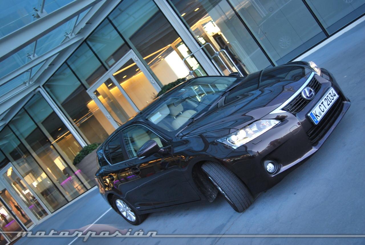 Foto de Lexus CT 200h (presentación) (10/56)