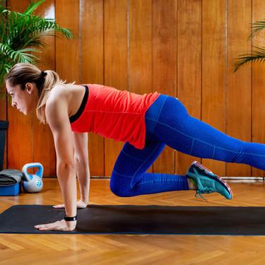 Un entrenamiento de cardio sin saltos y sin material con ejercicios para hacer en tu propia casa