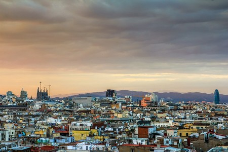 Cataluña está en alerta por alta contaminación y ya prepara restricciones al tráfico en Barcelona