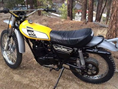 ¿Veremos una Yamaha DT400 revival?