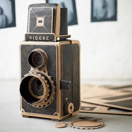 Instagram es demasiado mainstream, los modernos de verdad se construyen su propia cámara Pinhole